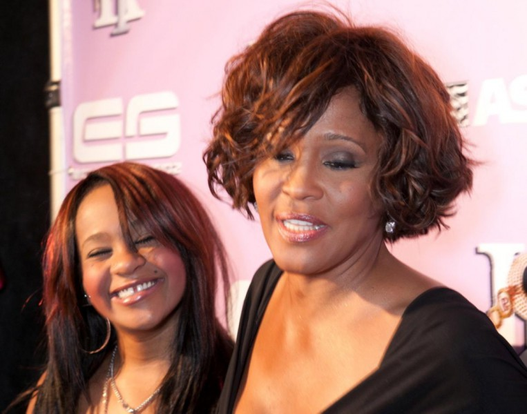 whitney-houston-bobbi-kristina-2012