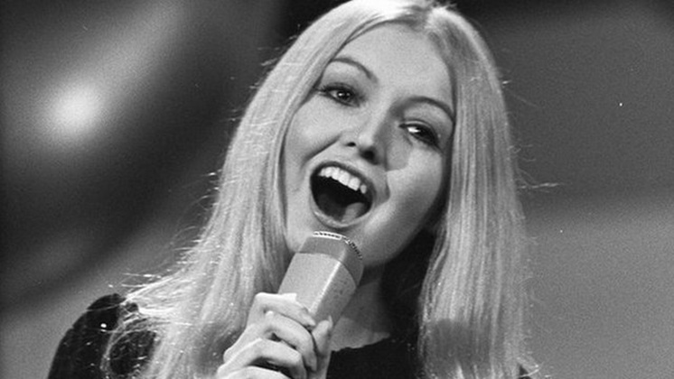 _67656229_eurovision_song_contest_1970_-_mary_hopkin_1