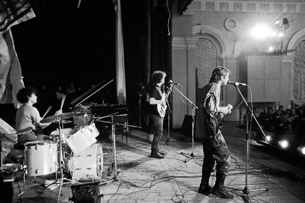Аквариум на сцене рок-клуба