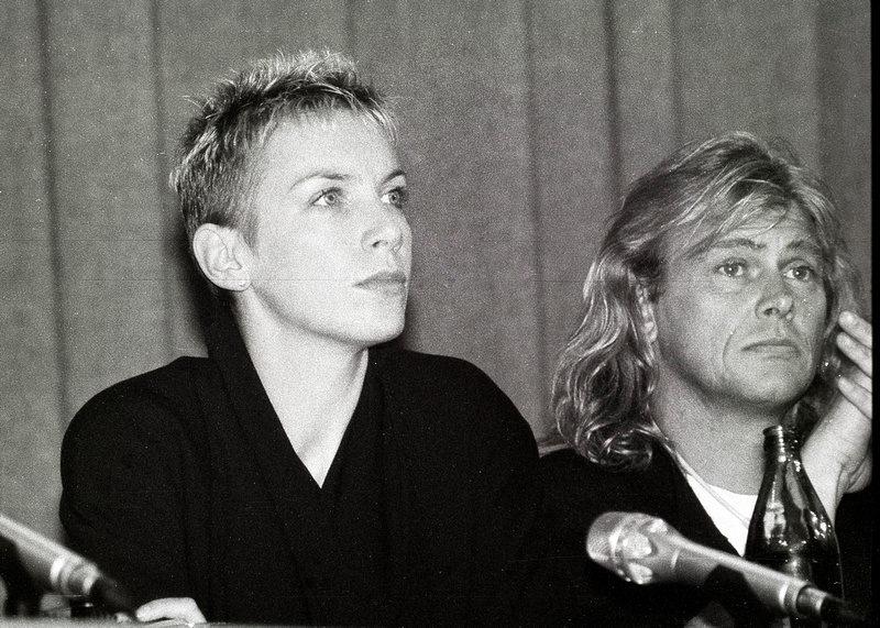 Annie Lennox (Eurythmics) и John Farnham на пресс-коференции