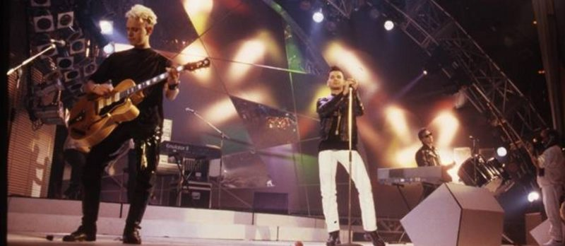 Depeche mode исполняют Enjoy The Silence на Peter`s Pop Show в 1989 году